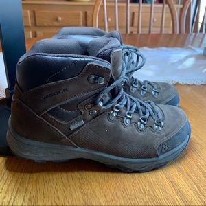 Vasque St. Elias UltraDry Hiking Boots
